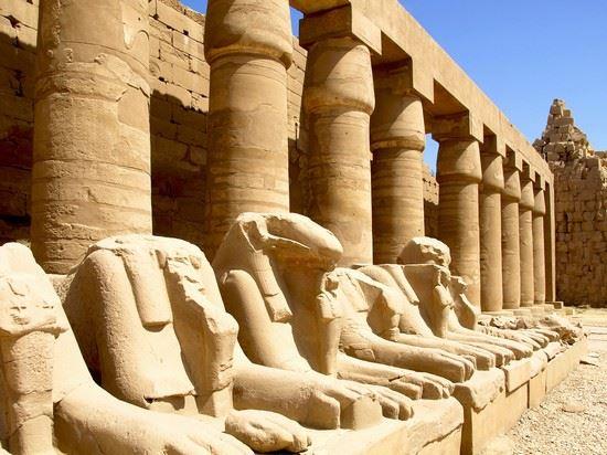 Giorno 5 - Martedì, 17.11.20 Luxor / Esna / Edfu (Pasti: Prima Colazione, Pranzo, Cena)
